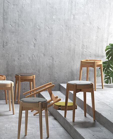 7 Tray-Sit® multimøbler, forskellige funktioner og farver præsenteres.